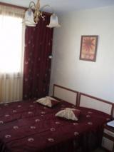 - TV,климатик, хладилник, самостоятелен санитарен възел и тераса.