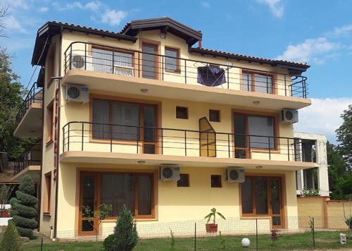 Почивка на море - Na more.info - Къща за гости Кипарис