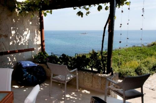 Почивка на море - Na more.info - Вила на Брега, спокойствие, прохладни веранди, 20 м от плажа