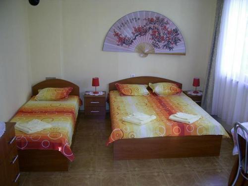 Почивка на море - Na more.info - стая с три легла и самостоятелен санитарен възел